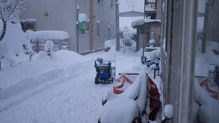 getlinkyoutube.com-ミニローダーML30 2とヤマハ除雪機の合わせ技で手早く除雪!!~雪国の除雪風景~