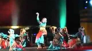getlinkyoutube.com-Tari Melayu - Lenggang menabuh ( Perform By Sanggar Tuah Bedelau - Kota Batam ).mp4