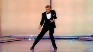 getlinkyoutube.com-Fred Astaire Cuts Loose: 1970 Oscars