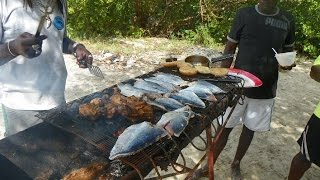getlinkyoutube.com-HD Tobago Cooking Fresh Fish on No Mans Land  Caribbean All Day Boat Tour