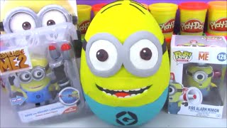 getlinkyoutube.com-Giant Minion Surprise Egg Play Doh Despicable Me Funko