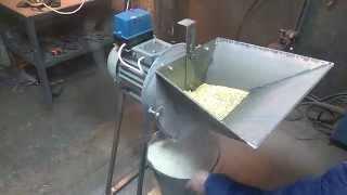 getlinkyoutube.com-Зернодробилка, Млин, дробилка зерна, измельчитель зерна, крупорушка, дку