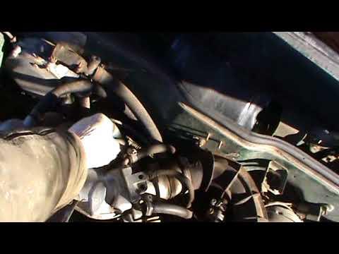 Расположение в Volkswagen Fox датчика положения педали газа