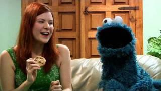 getlinkyoutube.com-Sesame Street & The Origin of Om nom nom nom