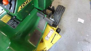 getlinkyoutube.com-John Deere 318 Operation Overview
