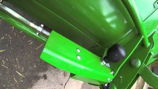 John Deere Front Loader R Series - Automatic Implement Latch