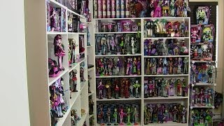 getlinkyoutube.com-MONSTER HIGH COLLECTION OVER 300 DOLLS 2014 UPDATE VIDEO