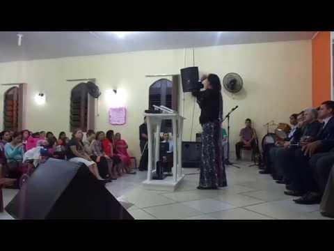 Irmã Leia esposa Pr. Norberto Louvando a Deus nos Gideões de Candelária-RS