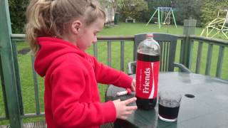 getlinkyoutube.com-Mentos and coke experiment