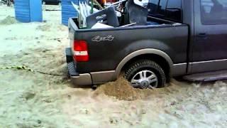 getlinkyoutube.com-F150 estirada por jeep wrangler en la playa bagdad