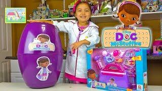 getlinkyoutube.com-HUGE SURPRISE EGG DOC MCSTUFFINS + Surprise Toys + Play-Doh Doc McStuffins Kid-Friendly Toy Opening