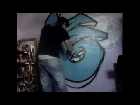 HOW TO SPRAY PAINT GRAFFITI
