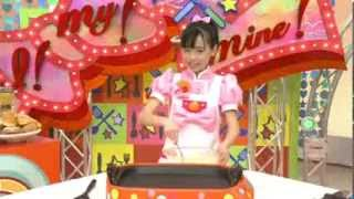 getlinkyoutube.com-Cute Japanese girl instructs how to make pancake sandwich