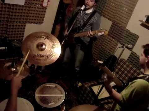AdeNóide - Hash Pipe (Weezer)