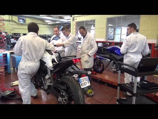 Découverte des nouvelles Moto YAMAHA arrivée au GARAC par les BAC PRO MOTO