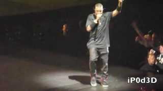 Kanye West embrouille une nouvelle fois un fan sur scène