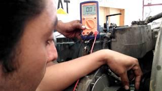 getlinkyoutube.com-Comprobación del sensor de posición del árbol de levas Motor Navistar 195 HP