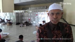 getlinkyoutube.com-VIDEO Proses Sortir Surat Suara di KPU Kabupaten Semarang