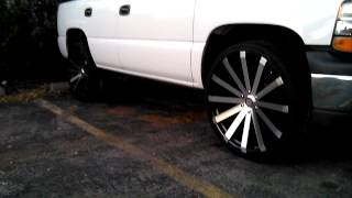getlinkyoutube.com-TAHOE on 26 inch rims