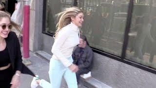 getlinkyoutube.com-EXCLUSIVE - Gigi Hadid running for her life in Paris