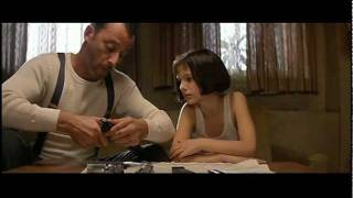 getlinkyoutube.com-Leon: The Professional - Training Scene (Venus As A Boy)