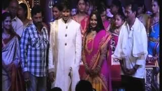 getlinkyoutube.com-Gopichand  Reshma wedding : marriage reception function Part 2