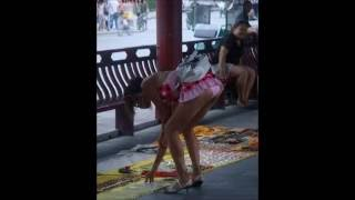 getlinkyoutube.com-Mini faldas - Las minifaldas más cortas de la historia - The shortest skirts