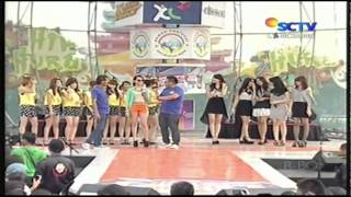 getlinkyoutube.com-Cherrybelle vs Princess Sing Battle @ Hip Hip Hura 04-12-2011