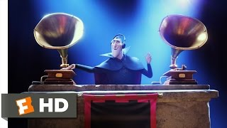getlinkyoutube.com-Hotel Transylvania 2 (10/10) Movie CLIP - I'm in Love With a Monster (2015) HD