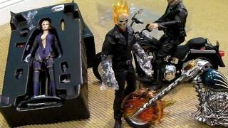 getlinkyoutube.com-Hot Toys GHOST RIDER & Resident Evil BATTLE SUIT JILL VALENTINE unboxing