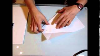 getlinkyoutube.com-世界記録、69メートル!紙飛行機の作り方。How to make a paper airplane Guinness record