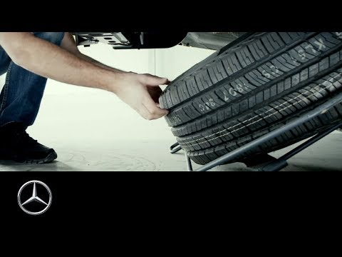 How to remove the spare tire of the Mercedes-Benz Sprinter