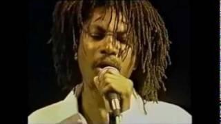 getlinkyoutube.com-Garnett Silk live ~EarthStrong~ 1994