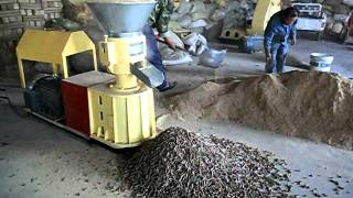 getlinkyoutube.com-small wood pellet mill