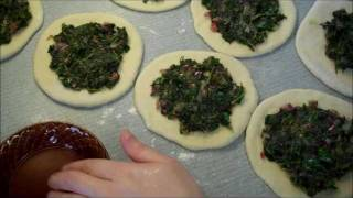 getlinkyoutube.com-Spinach Fatayer - فطير  السبانخ