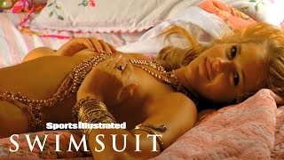getlinkyoutube.com-Esti Ginzburg Gets Colorful At Her Photoshoot In India | Sports Illustrated Swimsuit