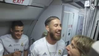 Real Madrid players celebrate La Undécima at 30,000ft!