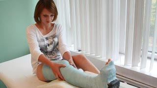 getlinkyoutube.com-Paula BLUE Plaster Long Leg Cast