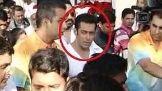 getlinkyoutube.com-Salman Khan SLAPS his bodyguard!