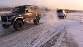 getlinkyoutube.com-На льду №2 Toyota Land Cruiser Prado 78 vs Toyota 4 Runner