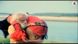 getlinkyoutube.com-Waheeda, Mukku Raju  Rallapalli, Aakumarthi, Anu Climax Scene - Maga Simham Movie