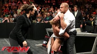 getlinkyoutube.com-A handcuffed Daniel Bryan is assaulted by Triple H and Stephanie McMahon: Raw, March 17, 2014