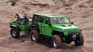 getlinkyoutube.com-Remolque con moto Axial scx10 Jeep Wrangler Rubicon (trailer scale 1.9)