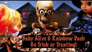 getlinkyoutube.com-Baby Alive & Rainbow Dash Go Trick or Treating!