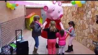getlinkyoutube.com-Fiestas Infantiles. Cumpleaños peppa pig