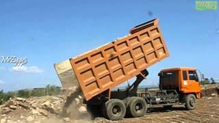 getlinkyoutube.com-Dump Truck Mitsubishi Fuso 220PS Unloading Rocks