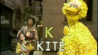 getlinkyoutube.com-Classic Sesame Street - Scenes from 1456