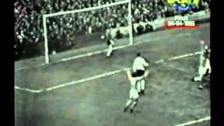 getlinkyoutube.com-Manchester United's Best Goals of the 60's Part 1