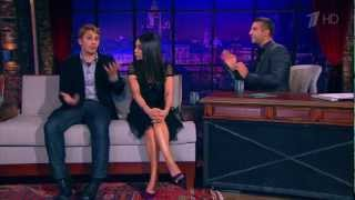 getlinkyoutube.com-Mila Kunis speaking fluently Russian at Urgant Show March 7th 2013 (with James Franco)