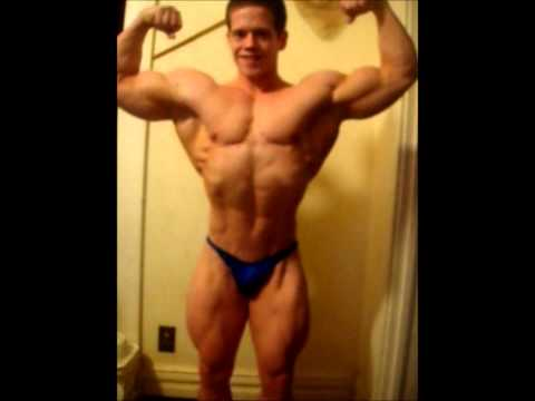 Bodybuilder Lowell Gloeckl 4 weeks out Posing